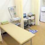 処置室です。簡単な検査などをこちらで行います。
